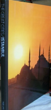Istanbul  The Great Cities     1978